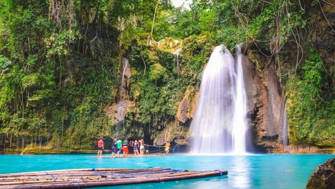 Full-Day Moalboal Islands and Kawasan Falls Small-Group Tour from Cebu