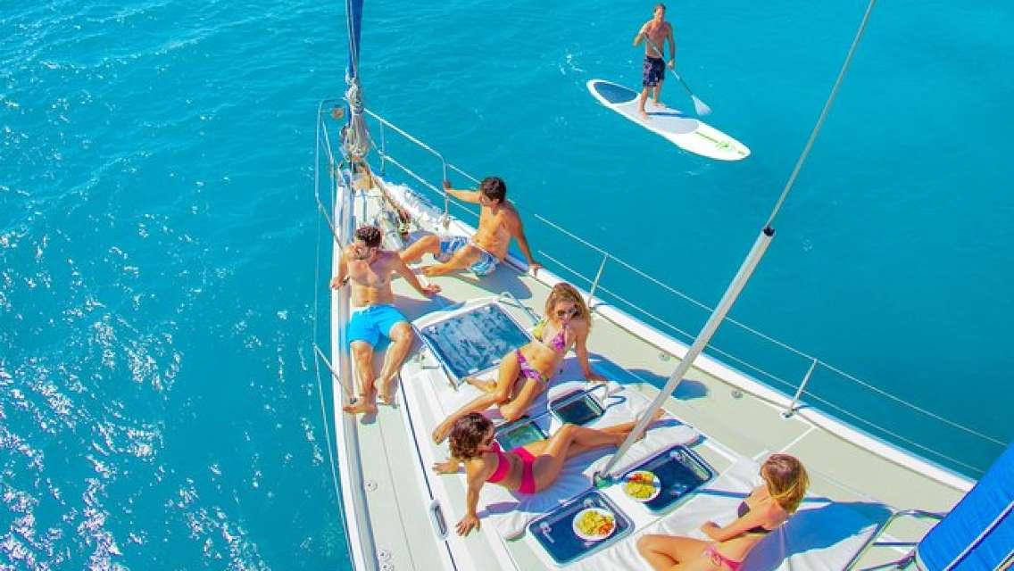 Half-Day Luxury Sailing Cruise in Freeport