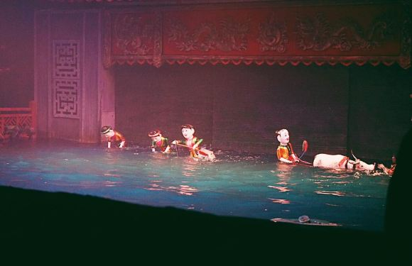 河內+試裝奧黛+乘坐三輪車+看水上木偶秀半日遊(中文導遊)