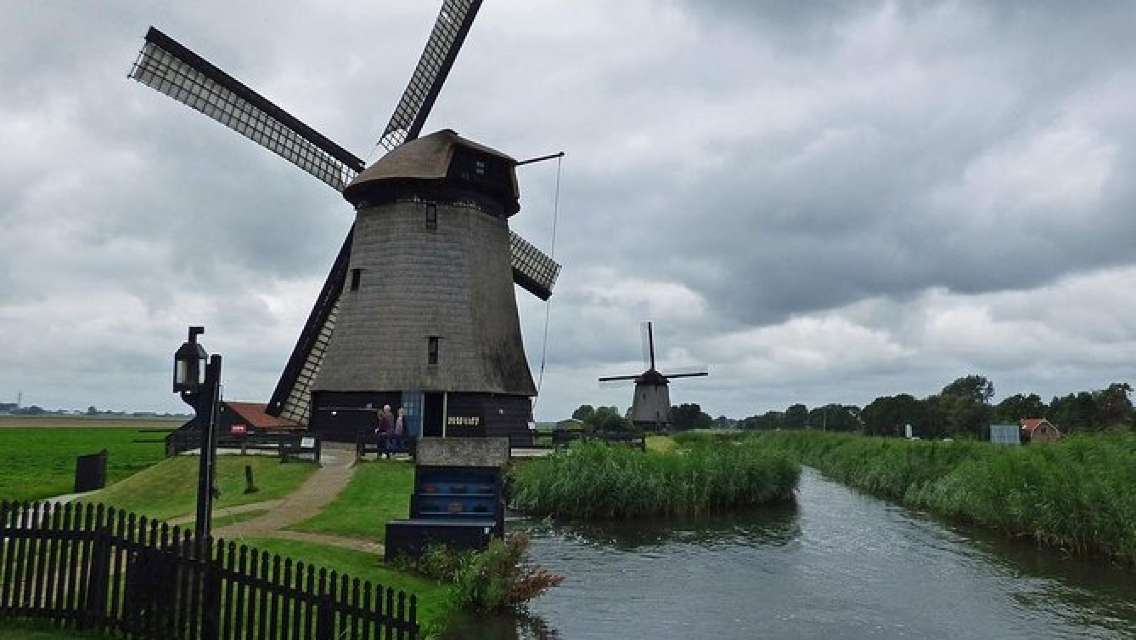 Private tour to the Windmills, Cheese and Clogs and Volendam from Amsterdam