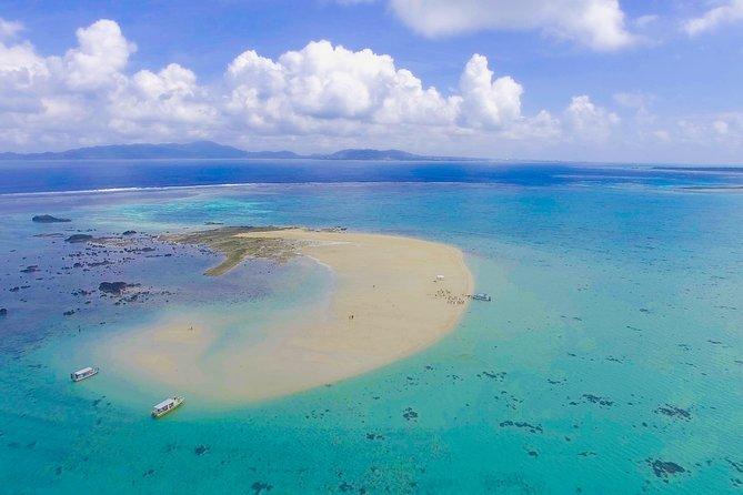 [Ishigaki]Glass boat tour at Kabira Bay+Snorkeling Tour at Phantom Island