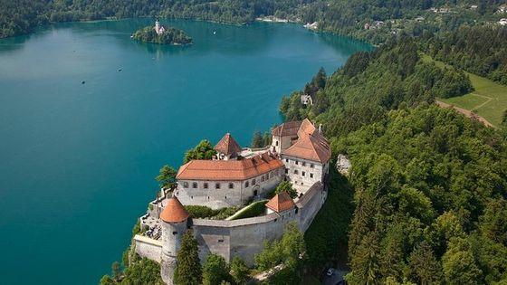 Highlights in a Day: Vintgar Gorge, Bled, Postojna Cave, Predjama Castle
