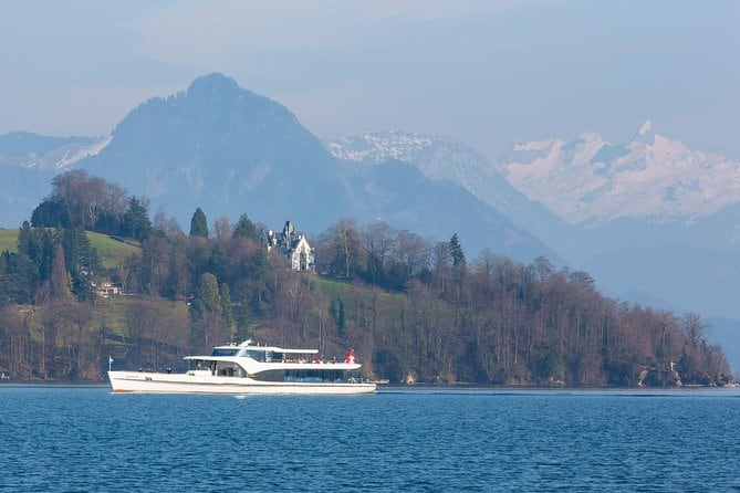 Lucerne Walking and Boat Tour: The Total Swiss Experience from Basel