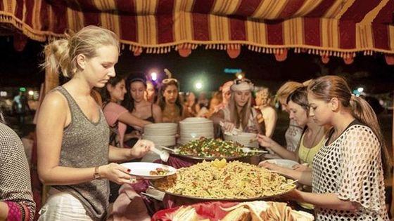 DINNER IN THE DESERT | Dinner & Traditional Show in the Desert: 5-Hour Tour