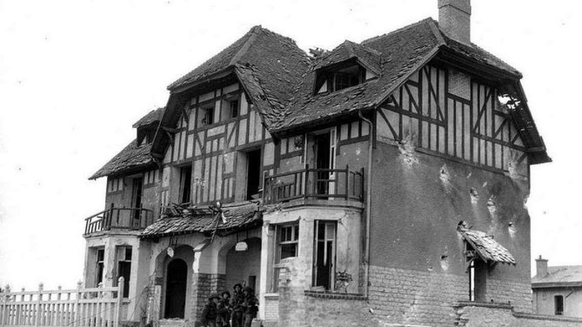 Private Day Tour including Normandy Landing Beaches & Battlefields from Caen