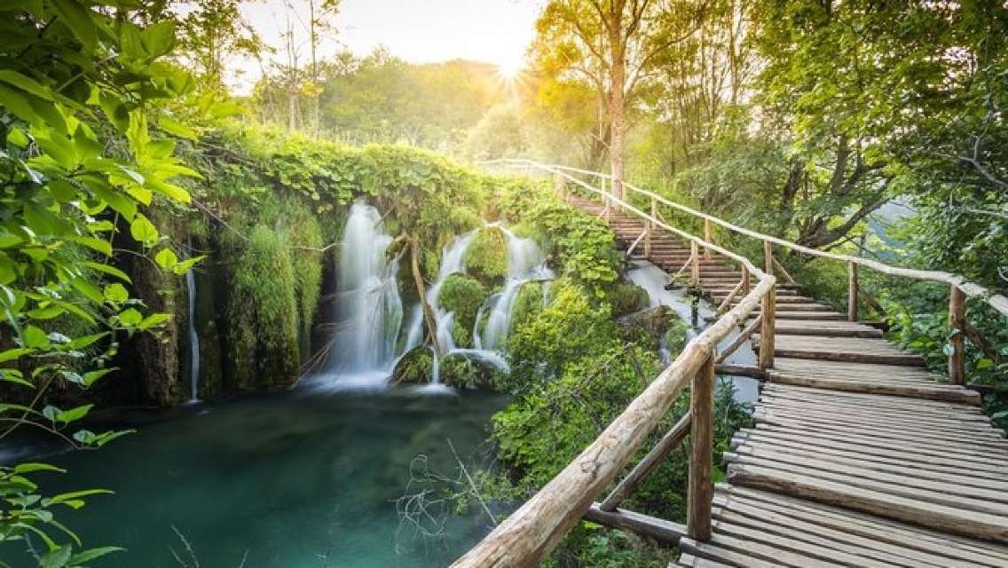 Astonishing Plitvice Lakes with lunch