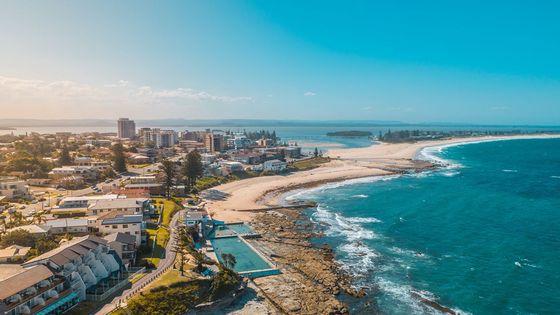 悉尼邂逅旖旎風光+藍色海洋路+爬蟲公園+納蘭海岬燈塔+恩瑞斯紀念公園一日遊(中文包車司導)