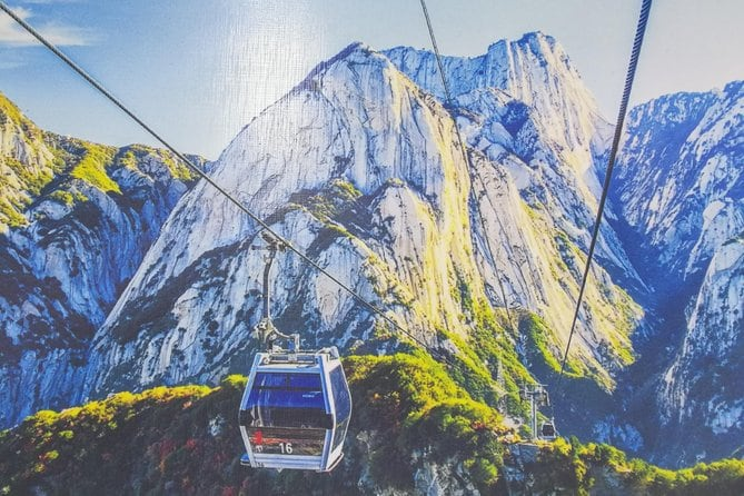 Private Day Tour: Mt. Huashan Adventure from Xi'an