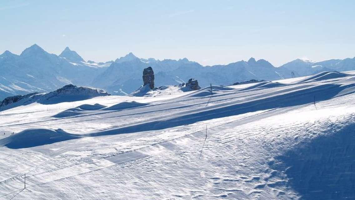 Riviera Col du Pillon & Glacier 3000: High Level Experience in the Swiss Alps