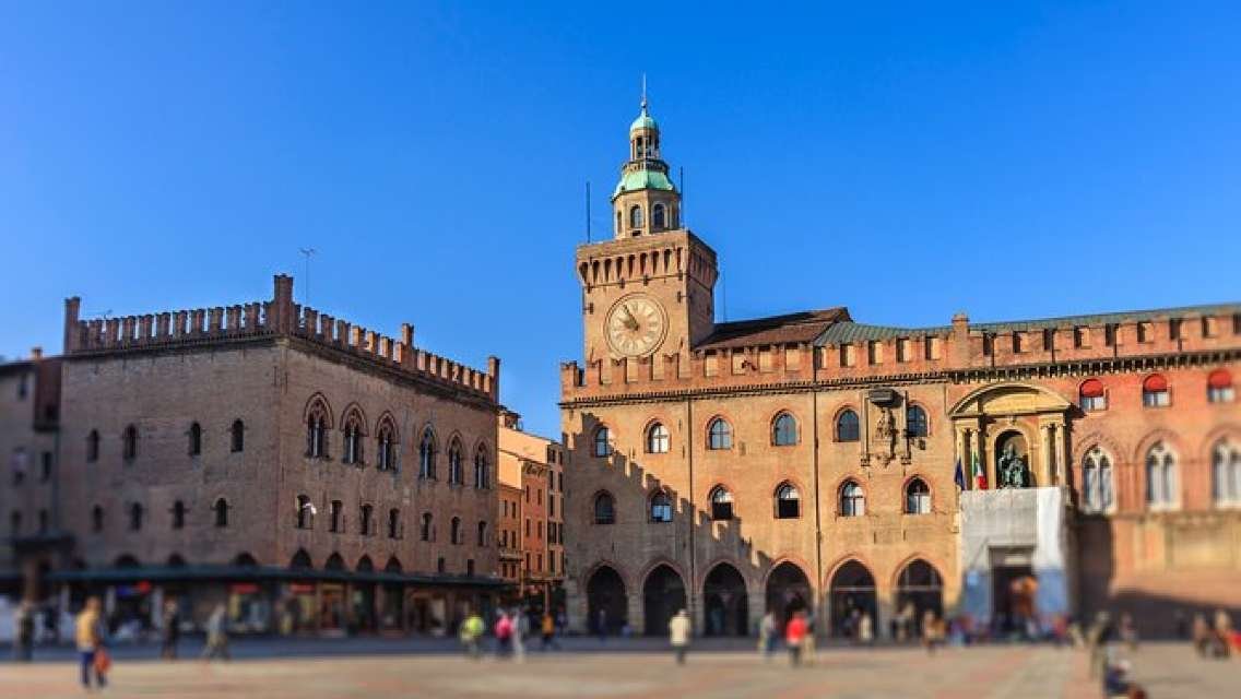 Private Luxury Transfer from Florence to Venice with stops in Bologna and Padova