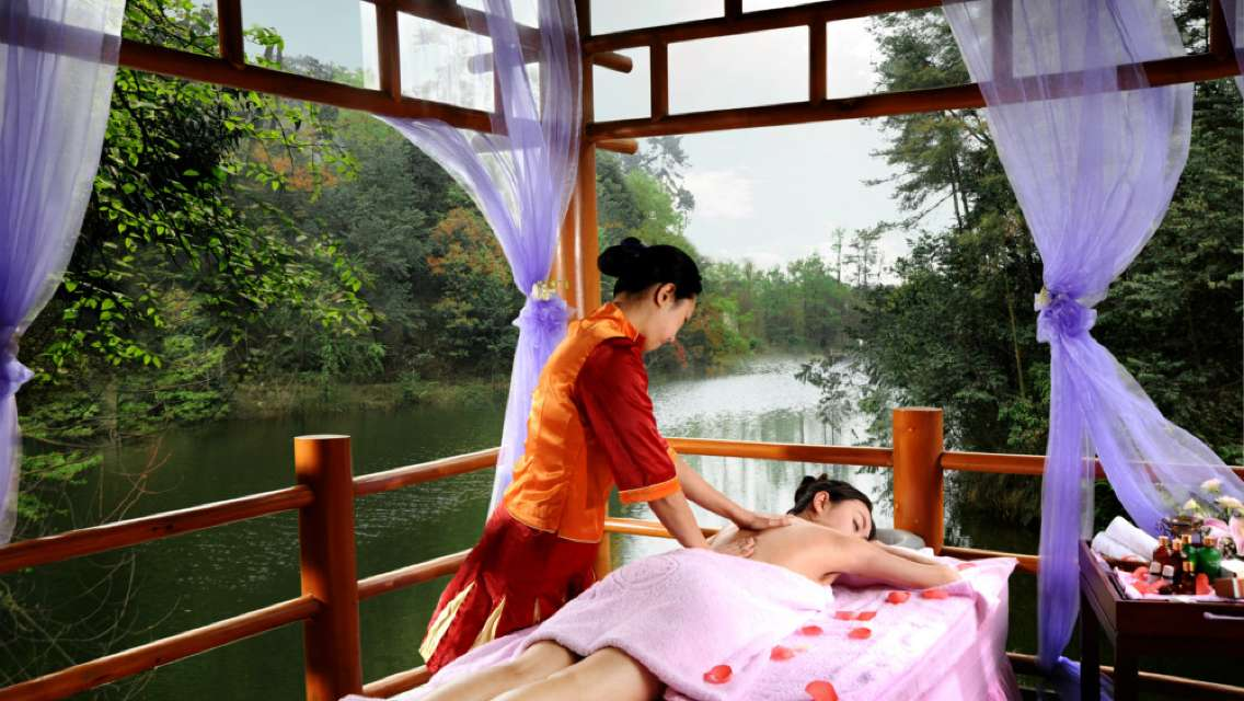 Hongzhushan Forest Hot Spring Admission Ticket