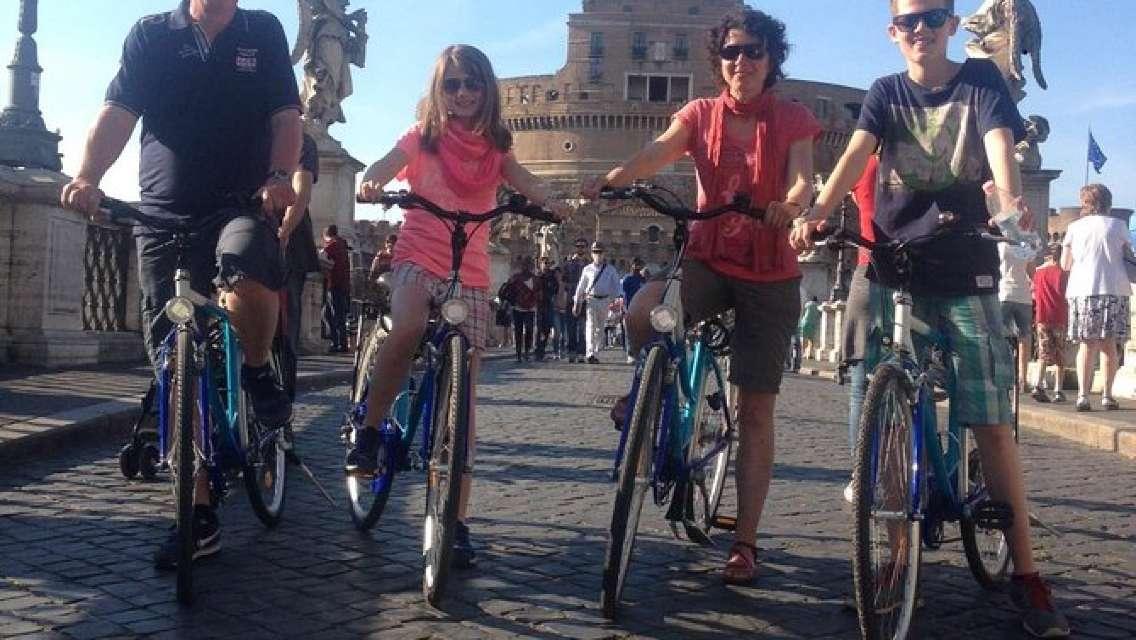 Villa Borghese Bike Tour in Rome