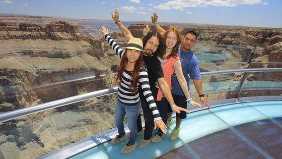 スカイウォークのオプション付きラスベガス発グランドキャニオンのウエストリムとフーバー・ダムのツアー