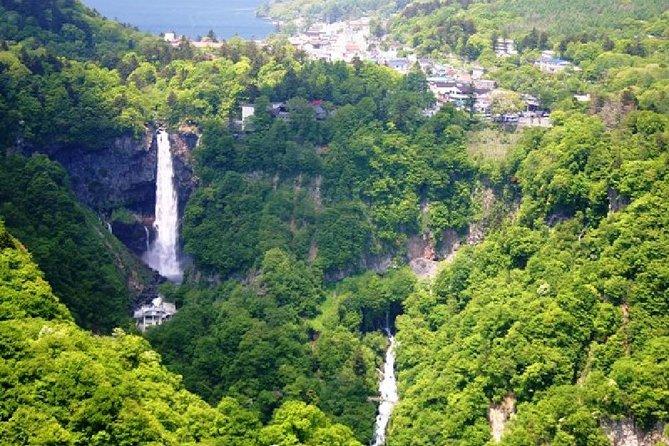 日光1日バス・ツアー:世界遺産の日光東照宮、中禅寺湖、華厳の滝