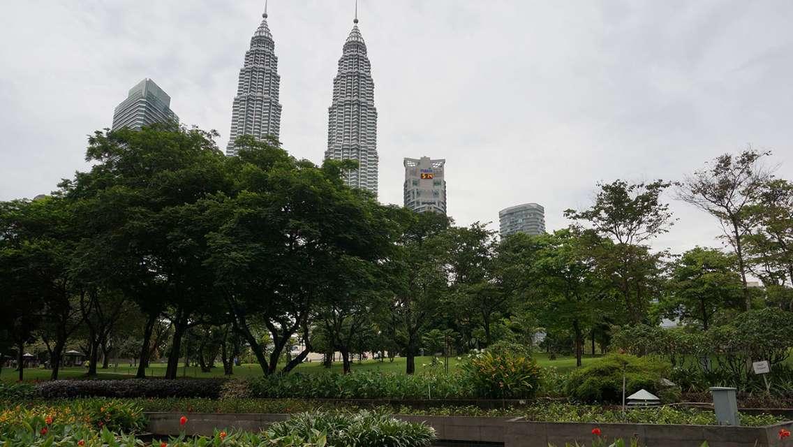 吉隆坡雙子塔+舊國家皇宮+獨立廣場+國家清真寺+茨廠街半日遊(3時段可選)