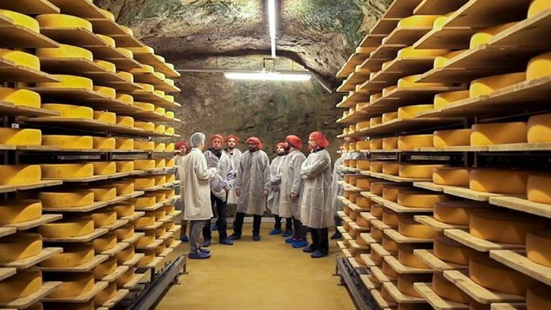 Swiss Cheese Tour in a Cave with Gourmet Cheese Tasting and Aperitif