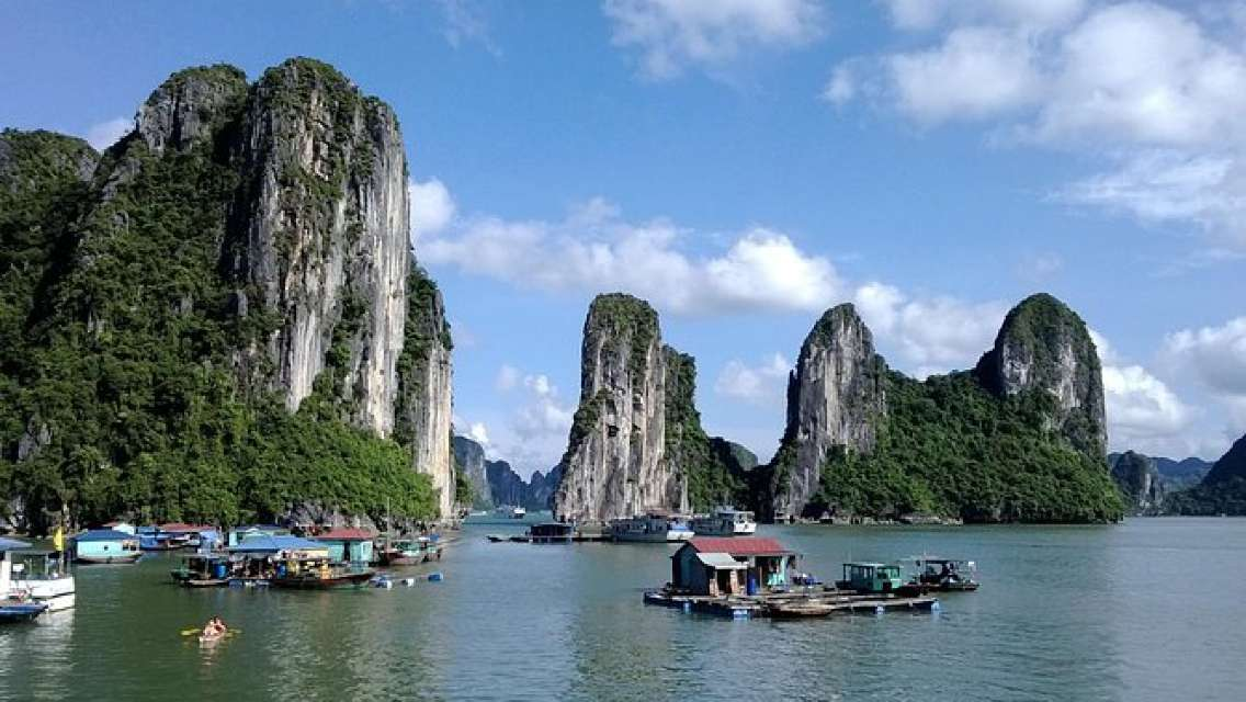 Halong Bay Full Day Trip with Fast Expressway Transfer Round Trip