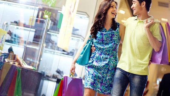 Foxtown Outlet Shopping Tour
