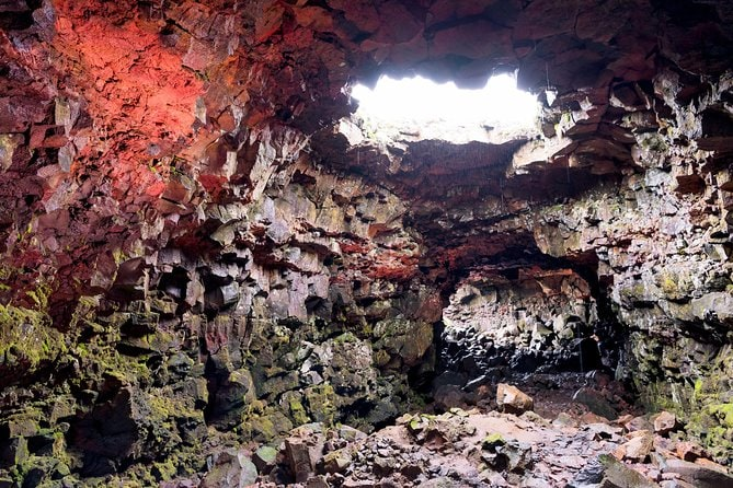 SuperSaver: Small-Group Lava Caving Experience and Golden Circle Tour from Reykjavik