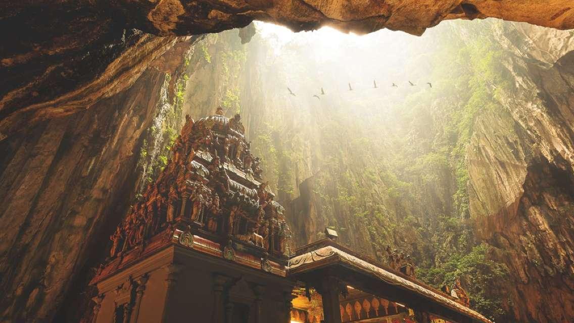 Genting Highland+ Batu Cave + Putrajaya Day Tour