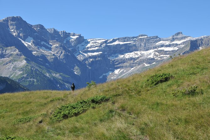 Guided hike on the balconies of the Cirque de Gavarnie