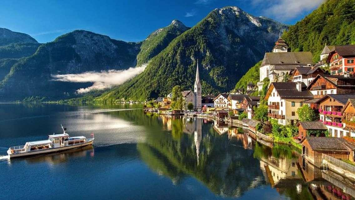 Private Tour of Melk Hallstatt and Salzburg from Vienna - Sound of Music