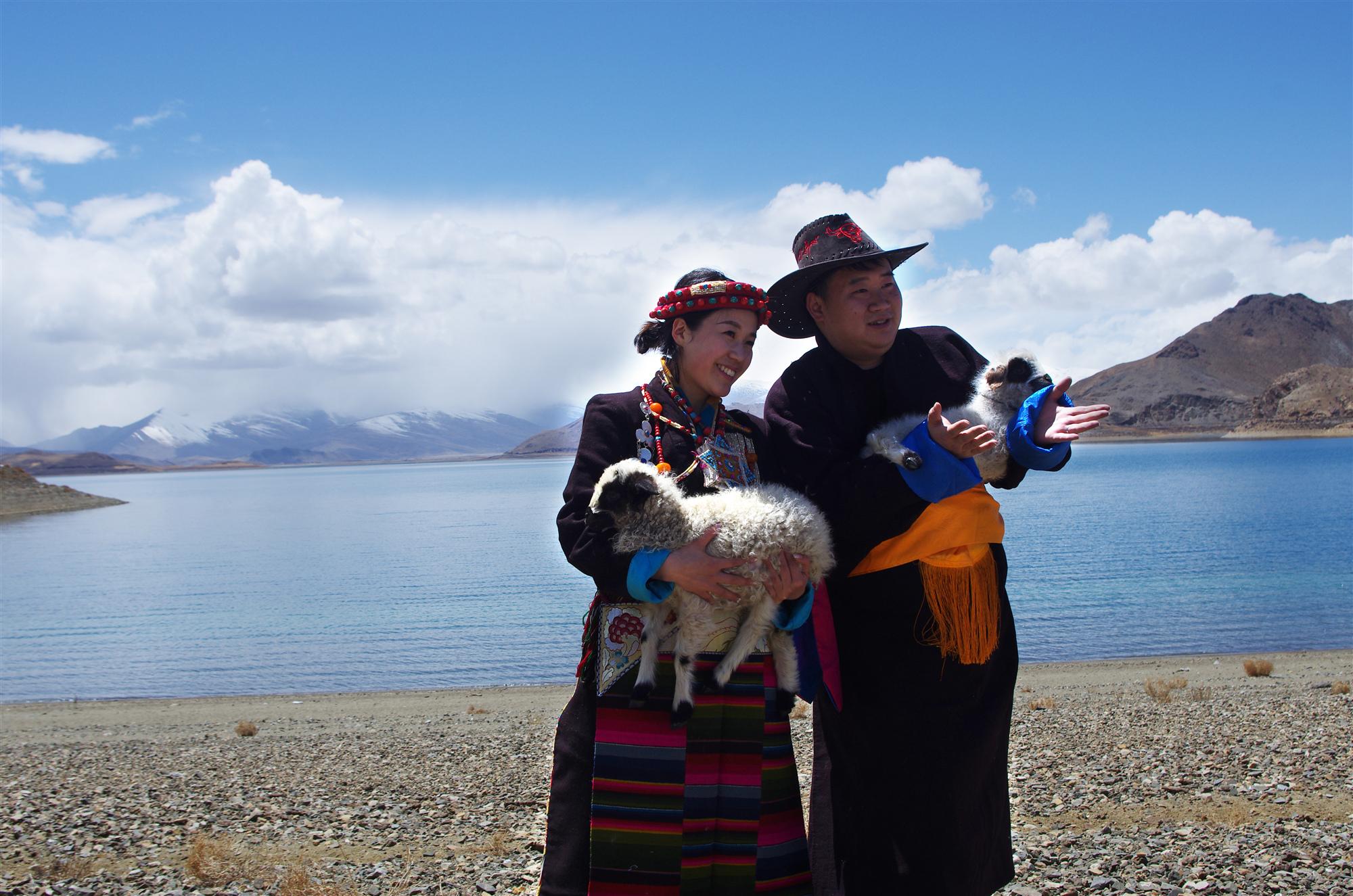 羊卓雍措/卡若拉冰川+純玩一日遊(環湖漫遊+高原冰川)