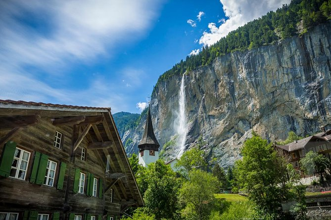 Lauterbrunnen Waterfalls & Mountain View Trail Photo Tour from Grindelwald