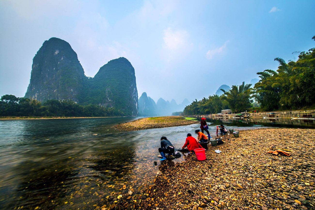 Guilin 2-Day Tour: Private Li River Cruise and Yangshuo Countryside Trip