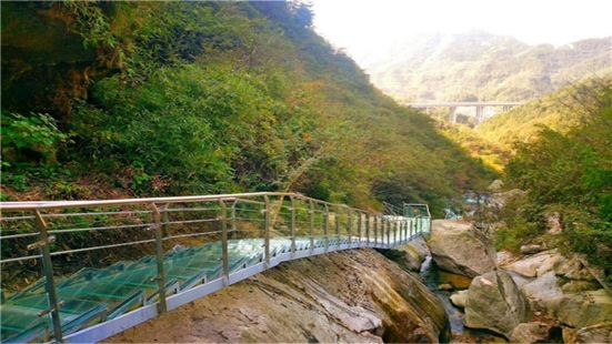 平江碧龍峽景區