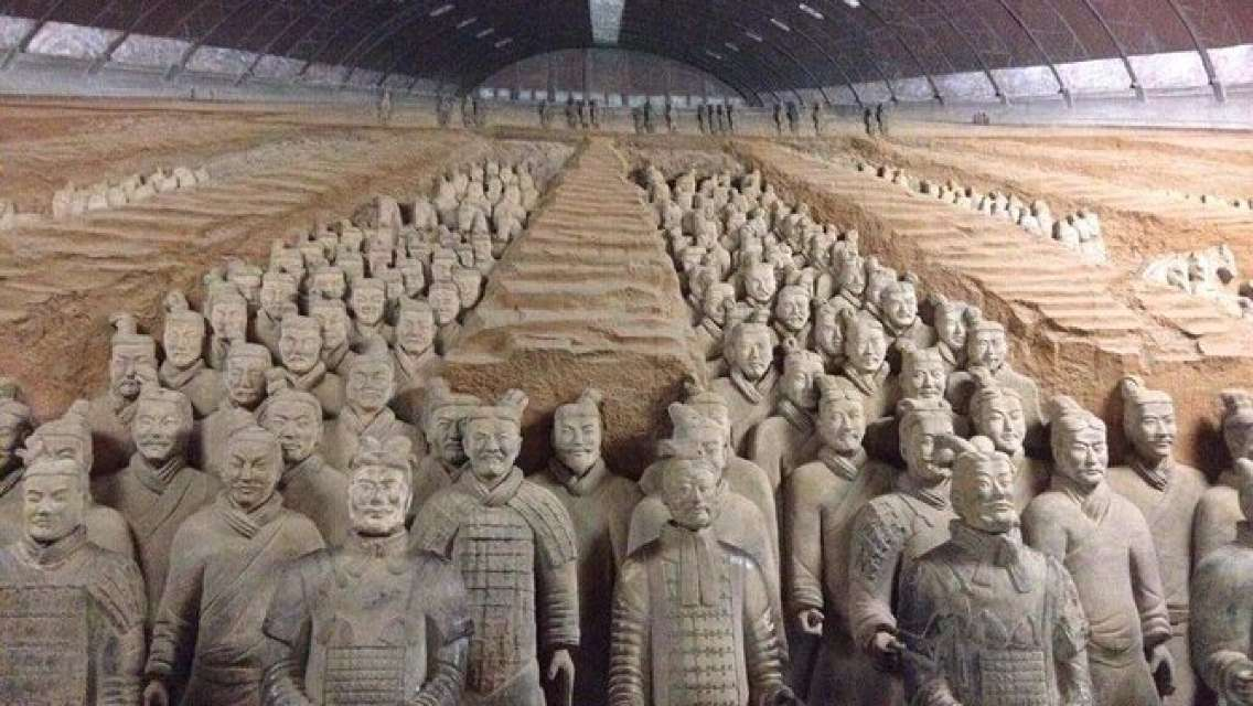 Private Chengdu Bullet Train Trip to Xi'an: Terracotta Warriors and City Wall