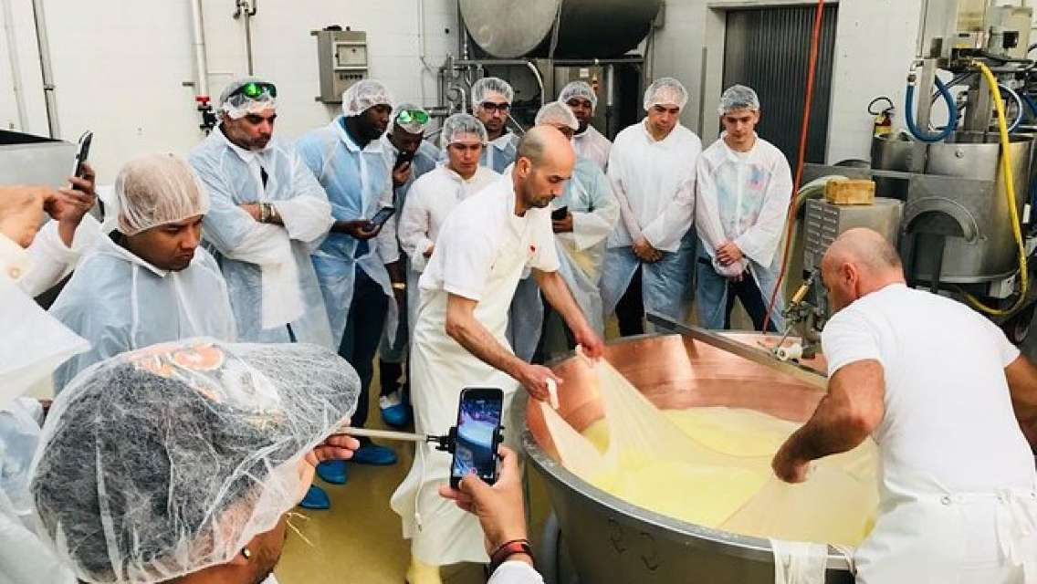 Bologna Food Experience: Factory Visits with Gourmet Lunch and Wine Tasting