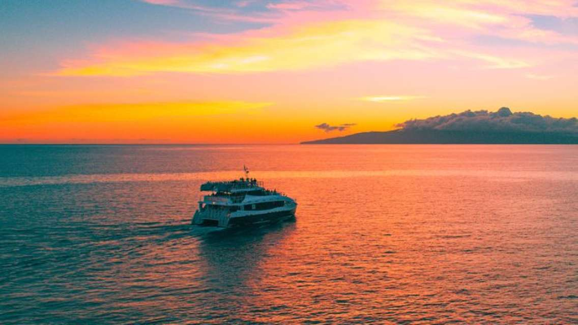 Sunset Dinner Cruise Aboard the Calypso from Ma'alaea Harbor