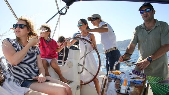 Vermut & Sailing Experience Barcelona with Drinks and Snacks