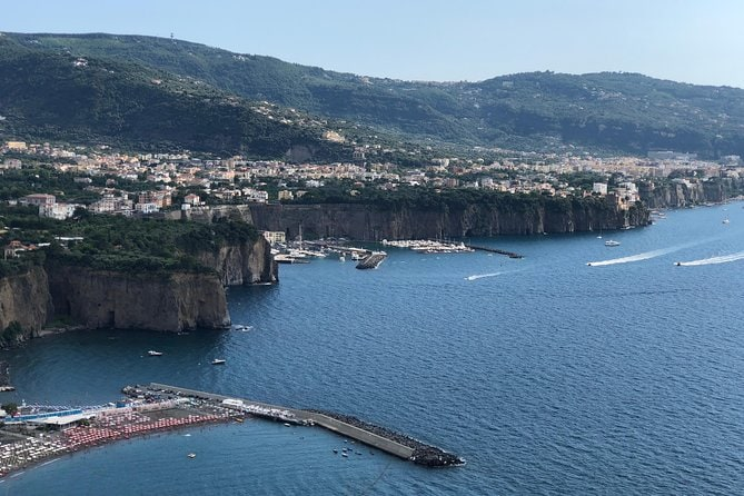 Sorrento private tour from Naples Train Station with Pompeii and Positano