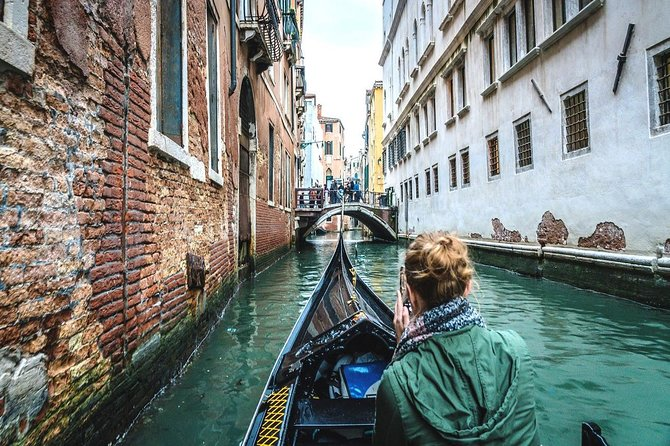Secret Venice Walking Tour and Gondola Ride
