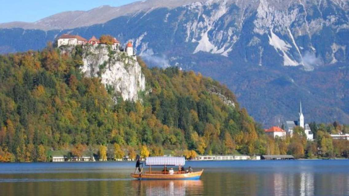 Bled All in One Day: Castle - Vintgar Gorge - Island