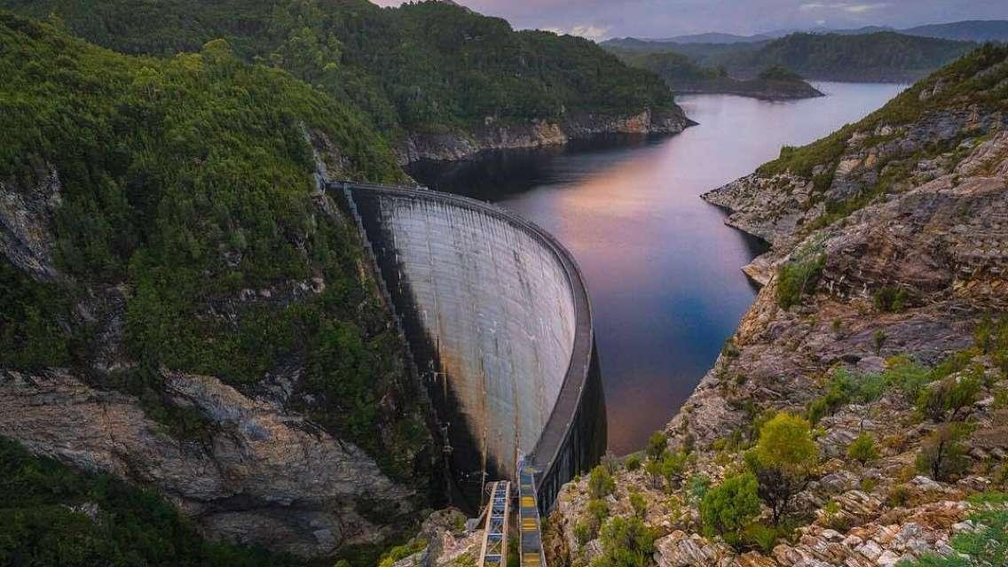 霍巴特 站在塔斯馬尼亞歷史與自然之間+菲爾德山+里奇蒙小鎮+戈登大壩一日遊【中文包車司導】
