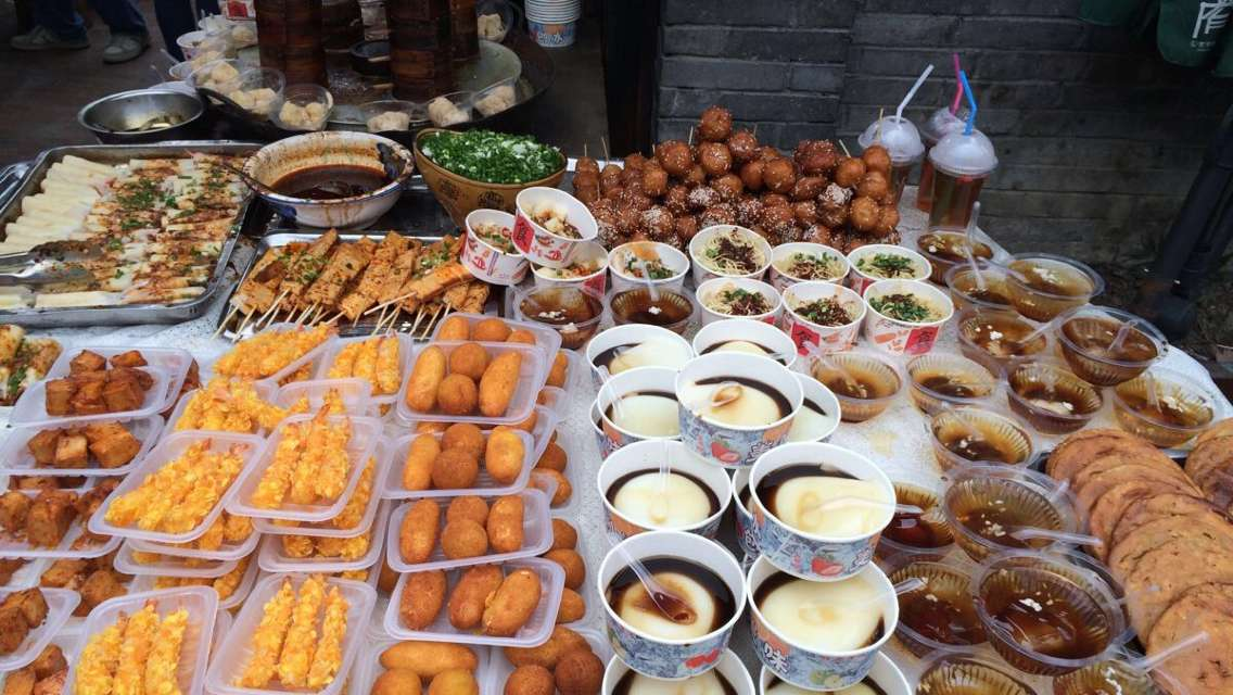 Chengdu Evening Food Tour by Tuk-Tuk