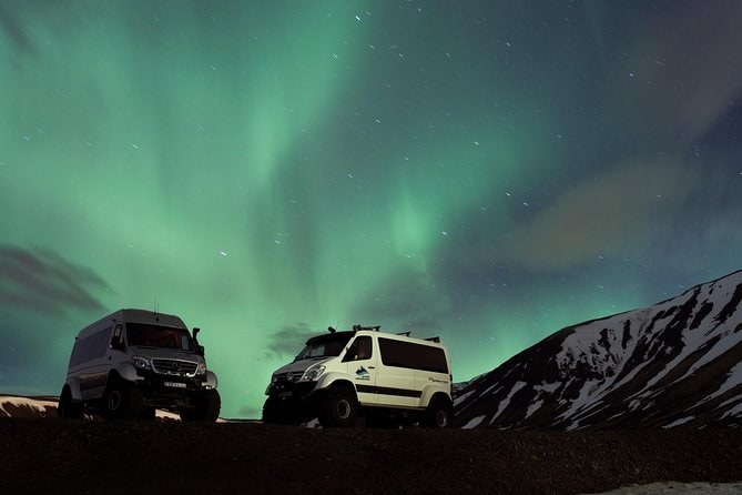 Small-Group Northern Lights Tour from Reykjavik in a Super Jeep - FREE photos
