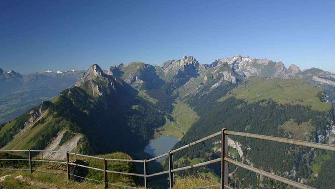 Swiss Cheese, Chocolates and Mountains Small-Group Tour from Zurich