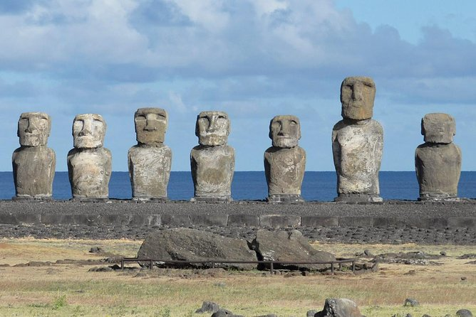 2-Day Small-Group Tour Easter Island Highlights