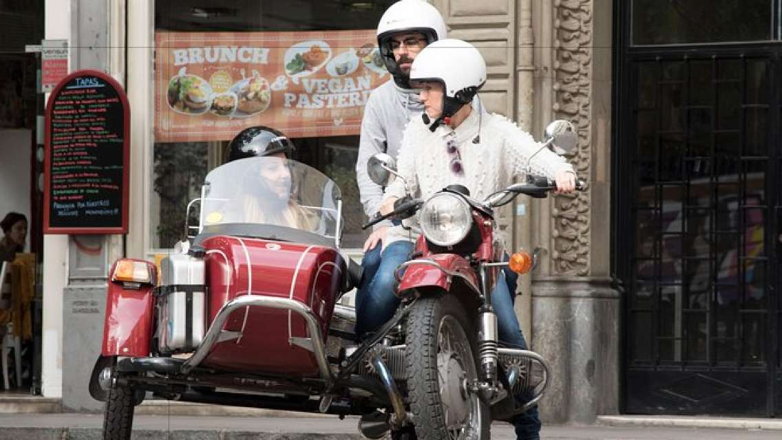 Private Vintage Sidecar Motorcycle Tour Through Barcelona