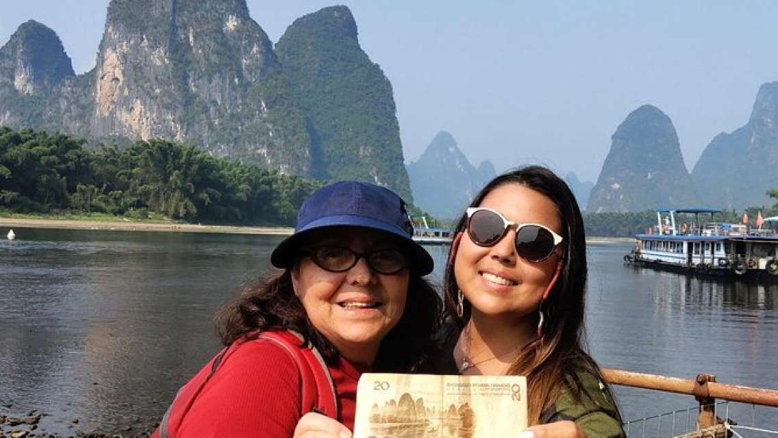 6-Day Private Tour from Chengdu to Guilin with Lunch