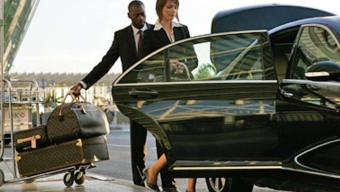Low Cost Private Arrival Transfer From Cardiff International Airport to Bristol