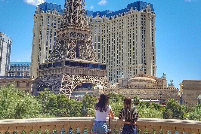 Explore Best Must See Spots: Las Vegas Strip Walking Tour