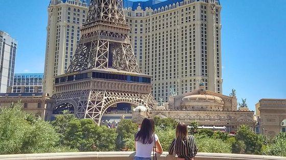 Explore Best Must See Spots: Las Vegas Strip Walking Tour