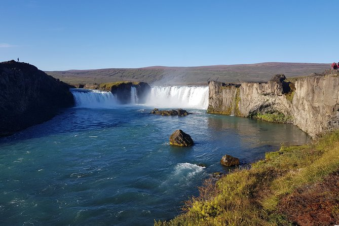 Hot springs and waterfalls, private super jeep tour
