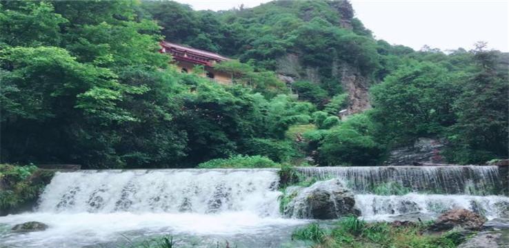 夏霖九天銀瀑風景區