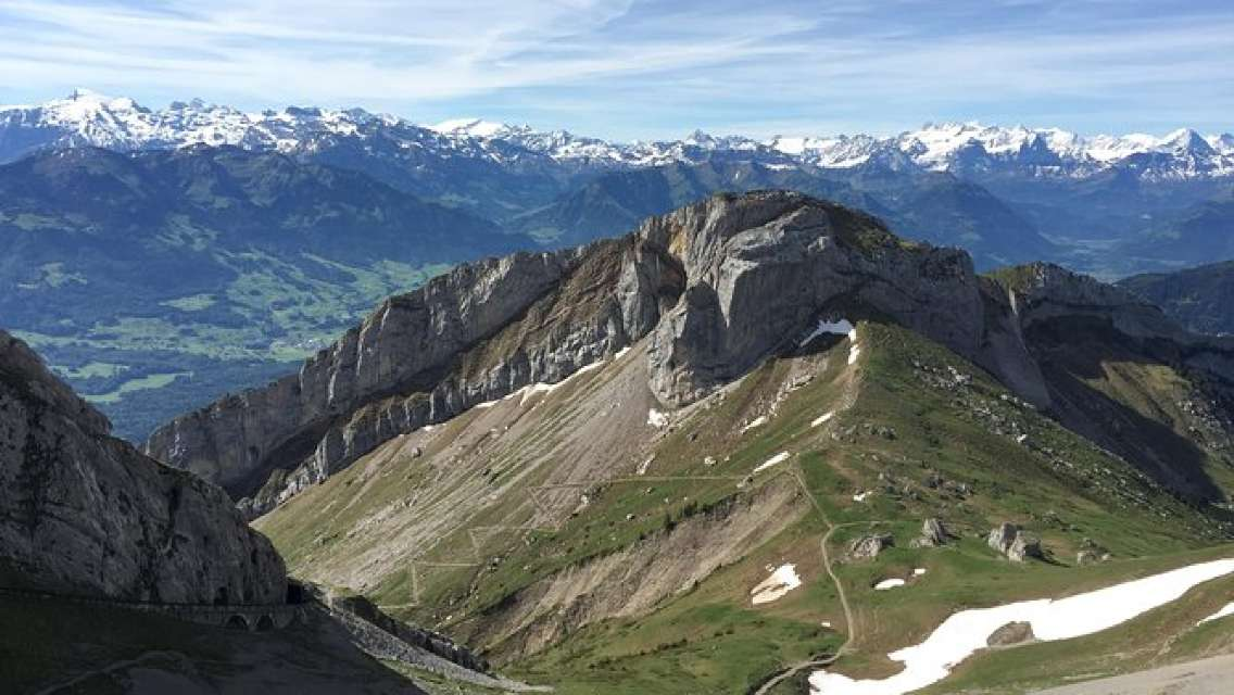 Mount Pilatus golden round trip by boat, coghweel and dragon ride cable car